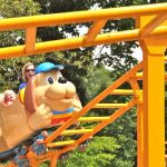 Holiday World - Howler - 003